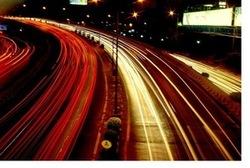 La psychologie énergétique utilise le système de méridiens d'acupuncture, ces chemins non physiques comme le sont les phares d'une voiture la nuit que l'on accepte pourtant sans discuter.